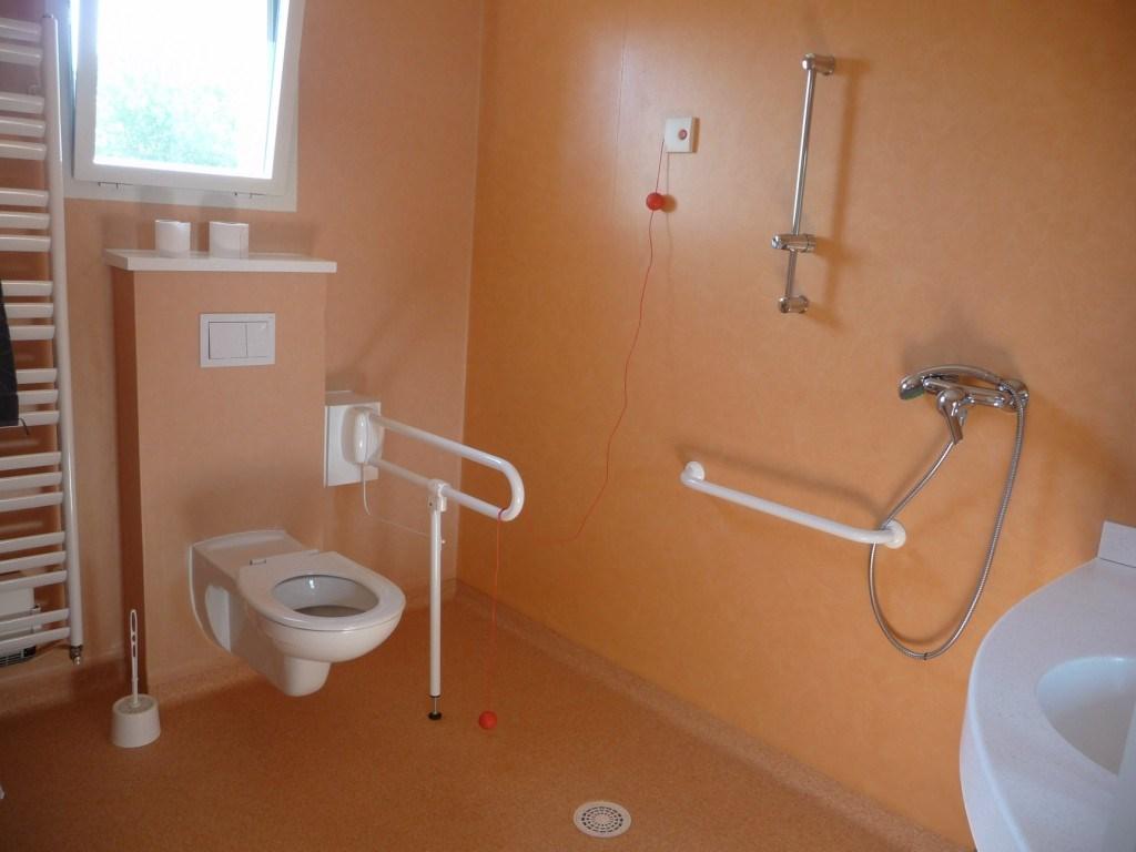 Ehpad de montbeton r sidence pagomal for Nettoyant salle de bain maison